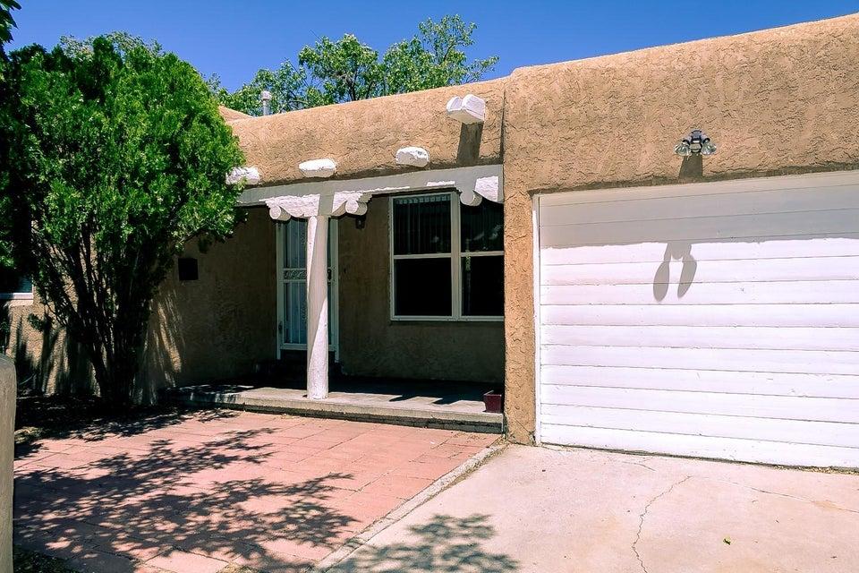 416 Richmond Drive SE, Albuquerque, NM 87106
