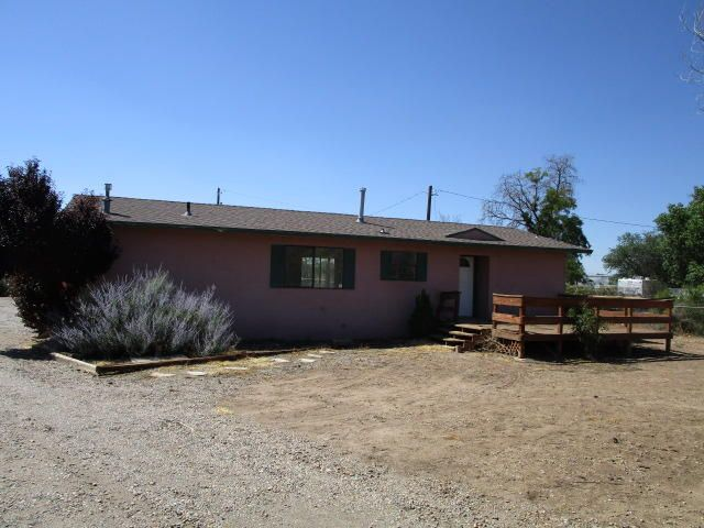 15 Sombrero Loop NE, Albuquerque, NM 87113