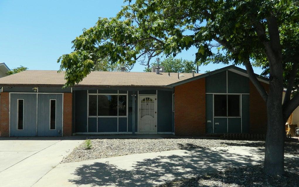 11008 Fairbanks Road NE, Albuquerque, NM 87112