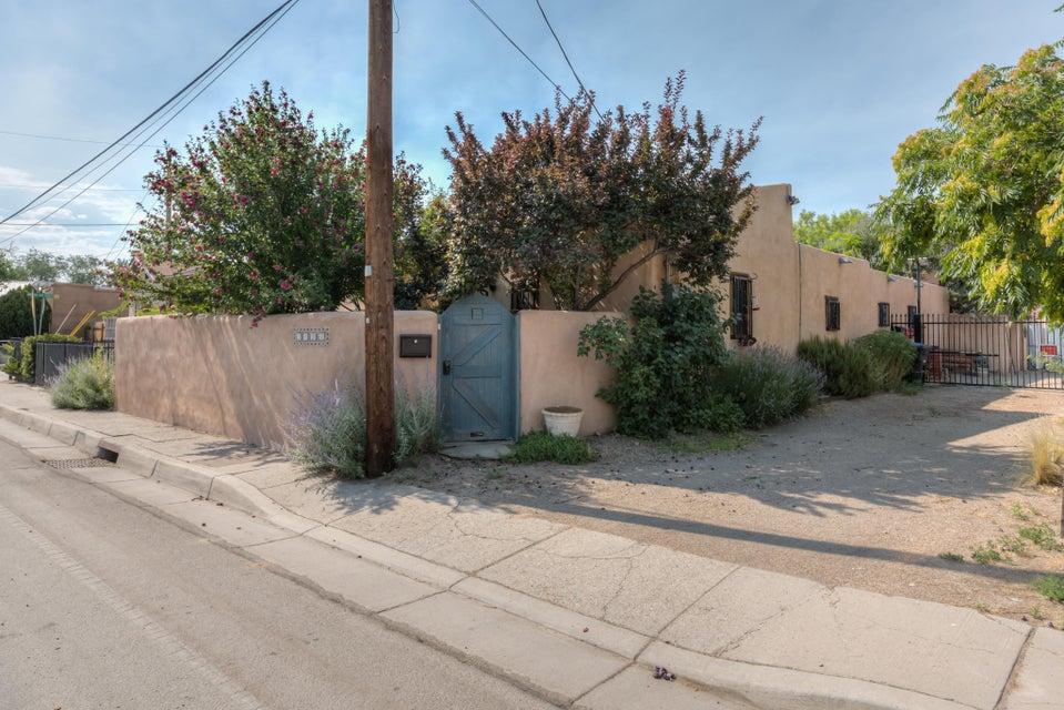 1730 Griegos Road NW, Albuquerque, NM 87107