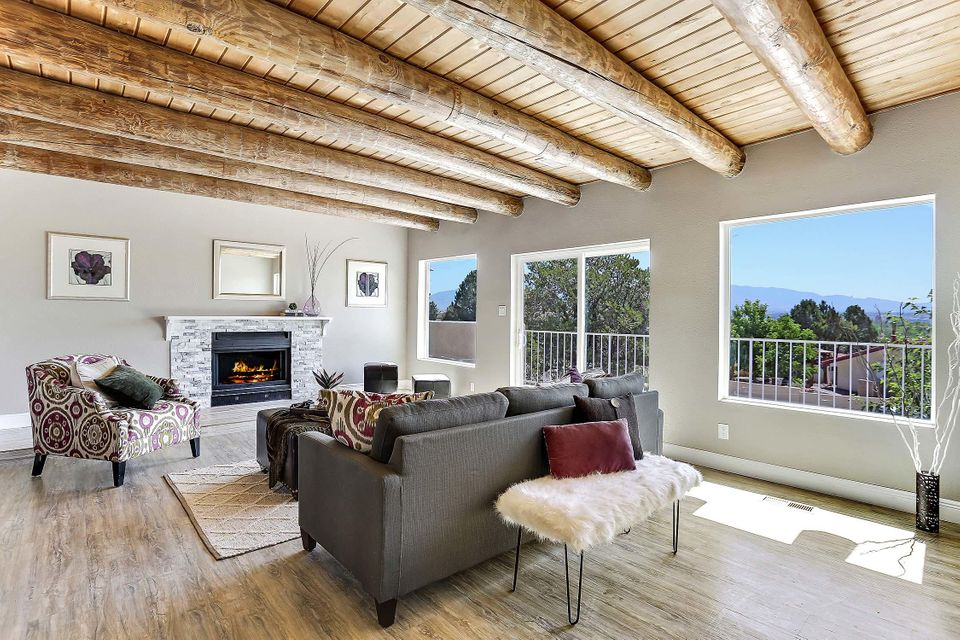 1709 Bluffside Drive NW, Albuquerque, NM 87105