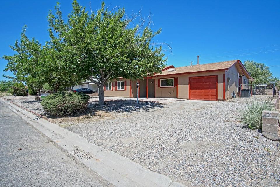 826 Sunflower Drive SW, Rio Rancho, NM 87124