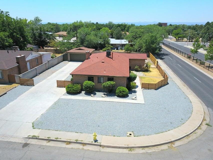 2929 Texas Street NE, Albuquerque, NM 87110