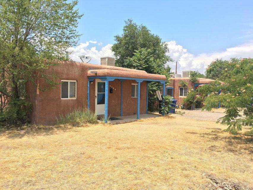 3015 10th Street NW, Albuquerque, NM 87107