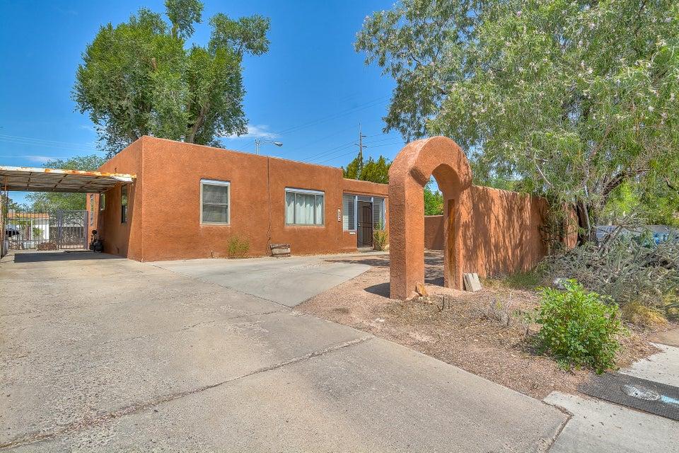 545 Aliso Drive NE, Albuquerque, NM 87108
