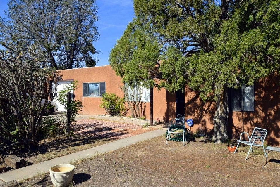 2117 Palomas Drive NE, Albuquerque, NM 87110