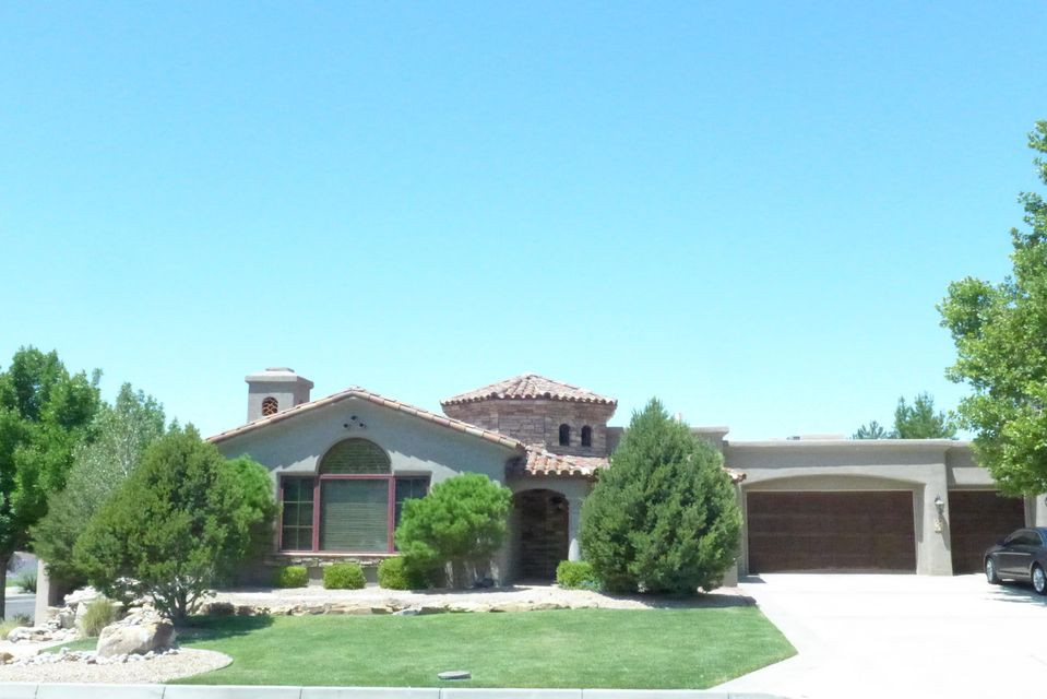 8601 Royal Glo Drive NE, Albuquerque, NM 87122