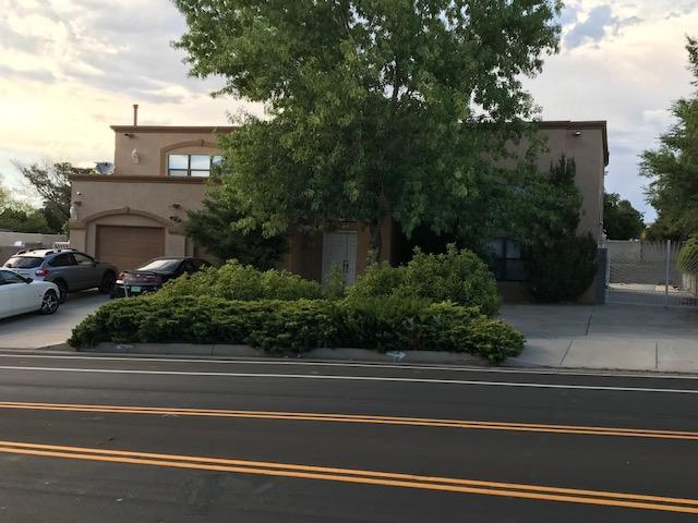 8905 Spain Road NE, Albuquerque, NM 87111