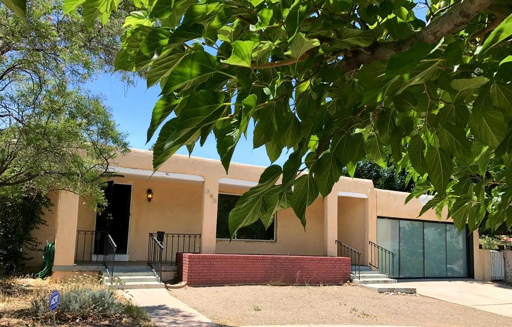 301 Aliso Drive SE, Albuquerque, NM 87108