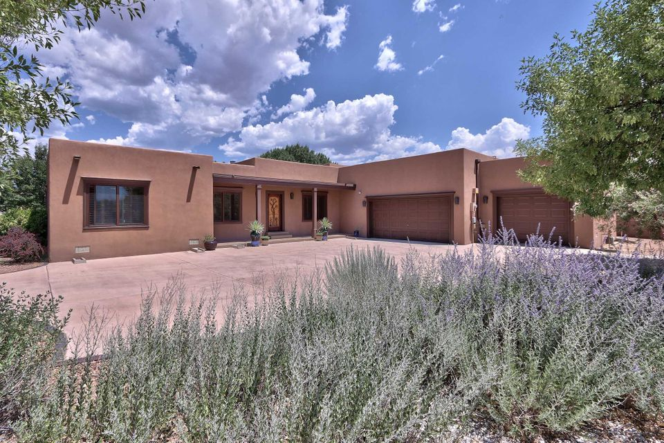 490 Mariquita Road, Corrales, NM 87048