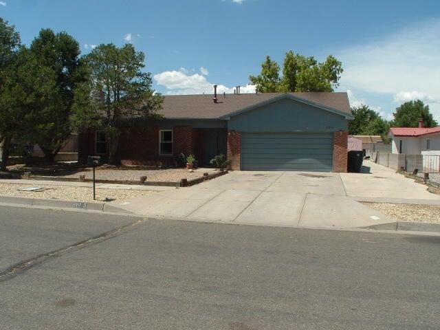 6217 FLOR DE MAYO Place NW, Albuquerque, NM 87120