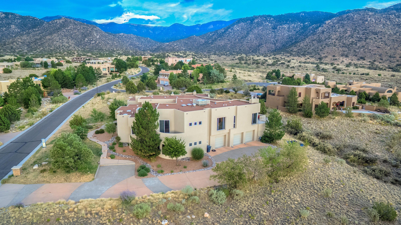13632 Canada Del Oso Place NE, Albuquerque, NM 87111