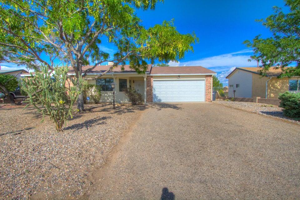 536 Apache Loop SW, Rio Rancho, NM 87124