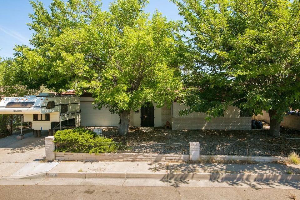 4209 GOODRICH Avenue NE, Albuquerque, NM 87110