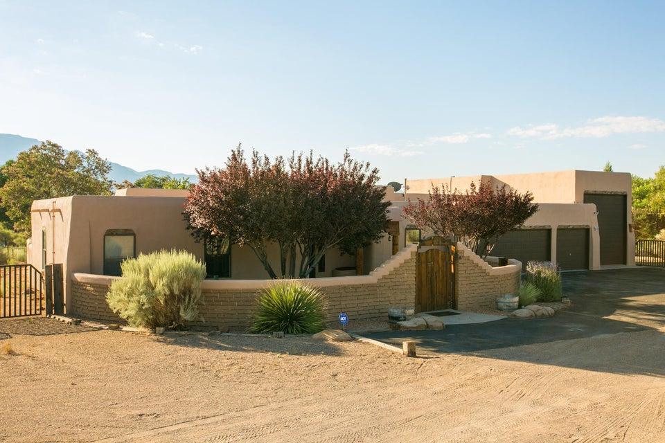 129 Carey Road, Corrales, NM 87048