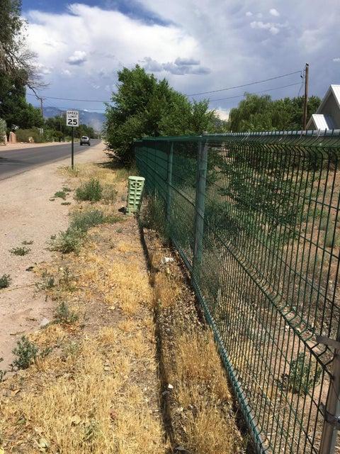 909 El Pueblo NW, Albuquerque, NM 87114