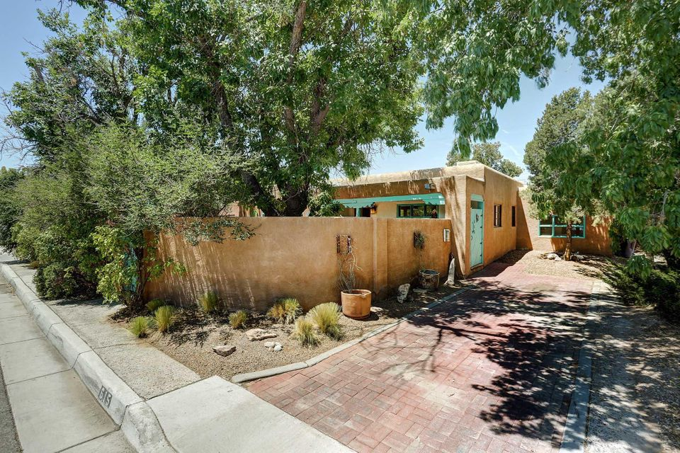 615 16th Street NW, Albuquerque, NM 87104