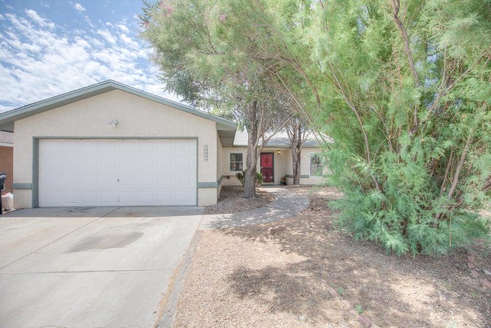 5704 Blue Pine Avenue NW, Albuquerque, NM 87120