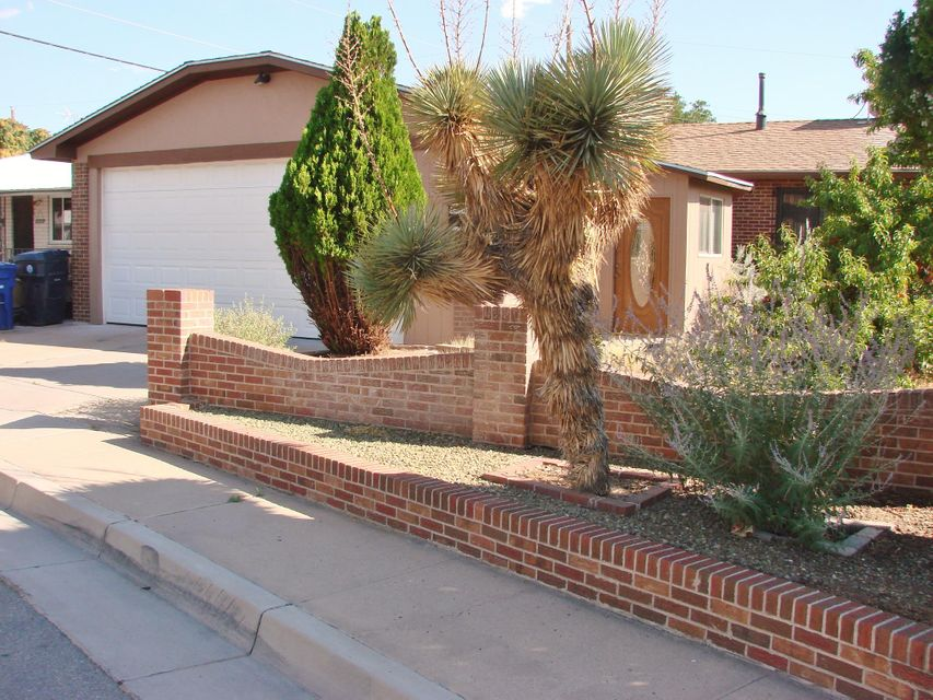 3808 Hilton Avenue NE, Albuquerque, NM 87110