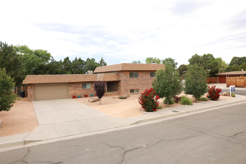 7900 Northridge Avenue NE, Albuquerque, NM 87109