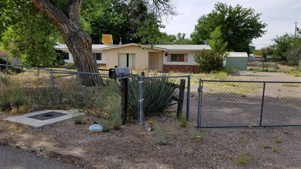2712 Darlene Place SW, Albuquerque, NM 87105