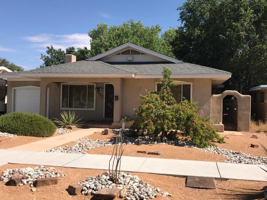 2217 Alhambra Avenue SW, Albuquerque, NM 87104