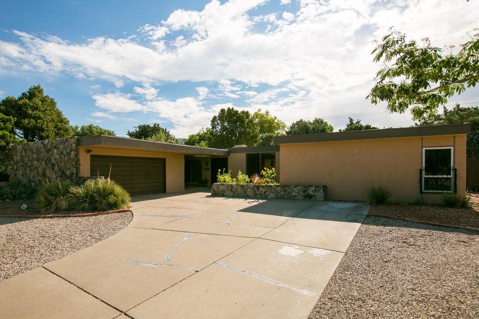 7925 Hendrix NE, Albuquerque, NM 87109