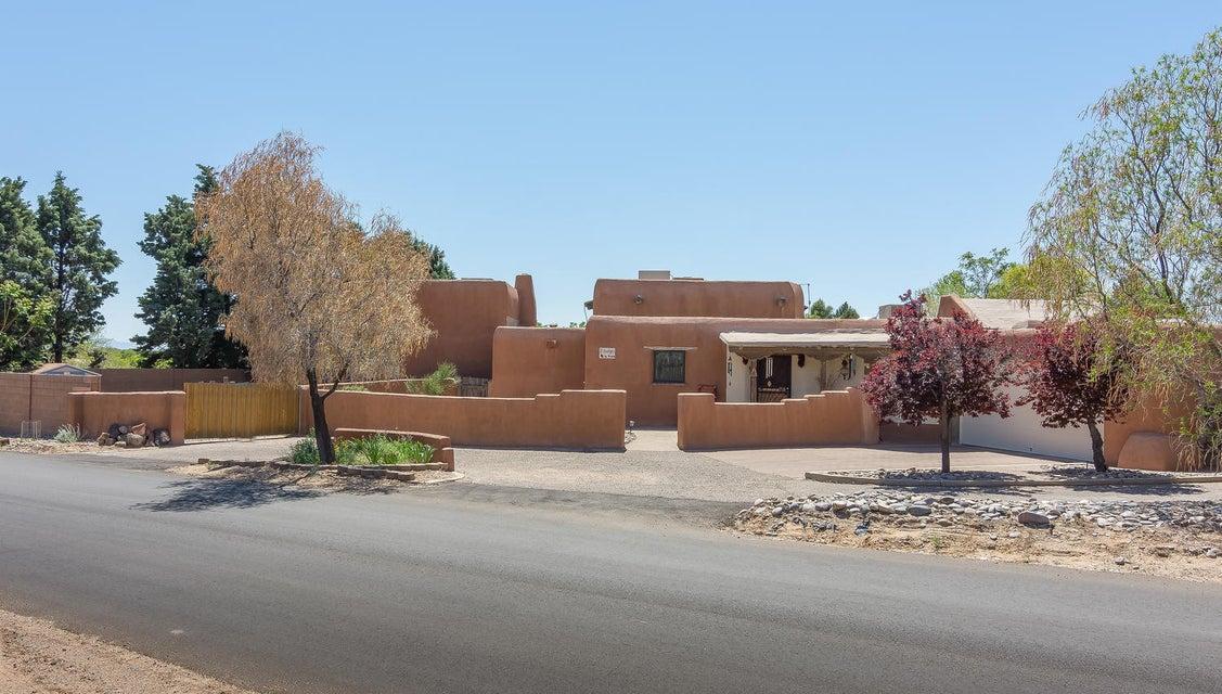 2 Indigo Place, Corrales, NM 87048