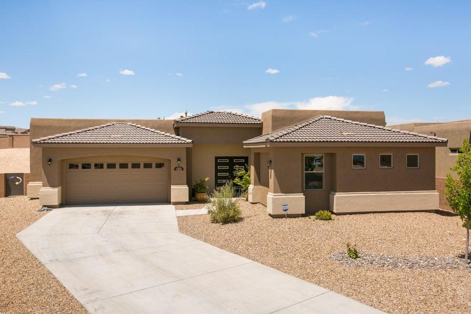 7231 Valle Jardin Lane NW, Albuquerque, NM 87114