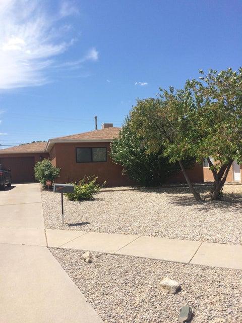 8312 Fruit Avenue NE, Albuquerque, NM 87108