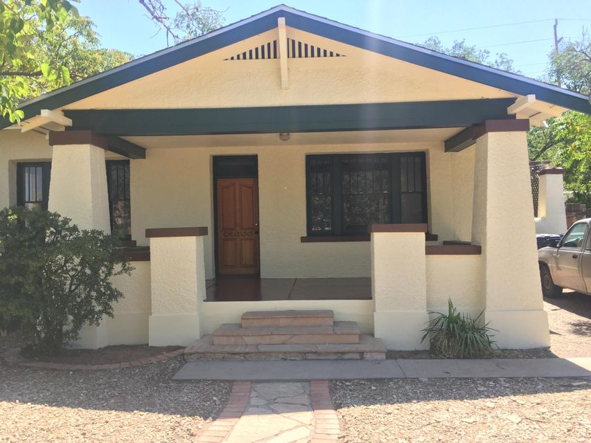 308 Harvard Drive SE, Albuquerque, NM 87106