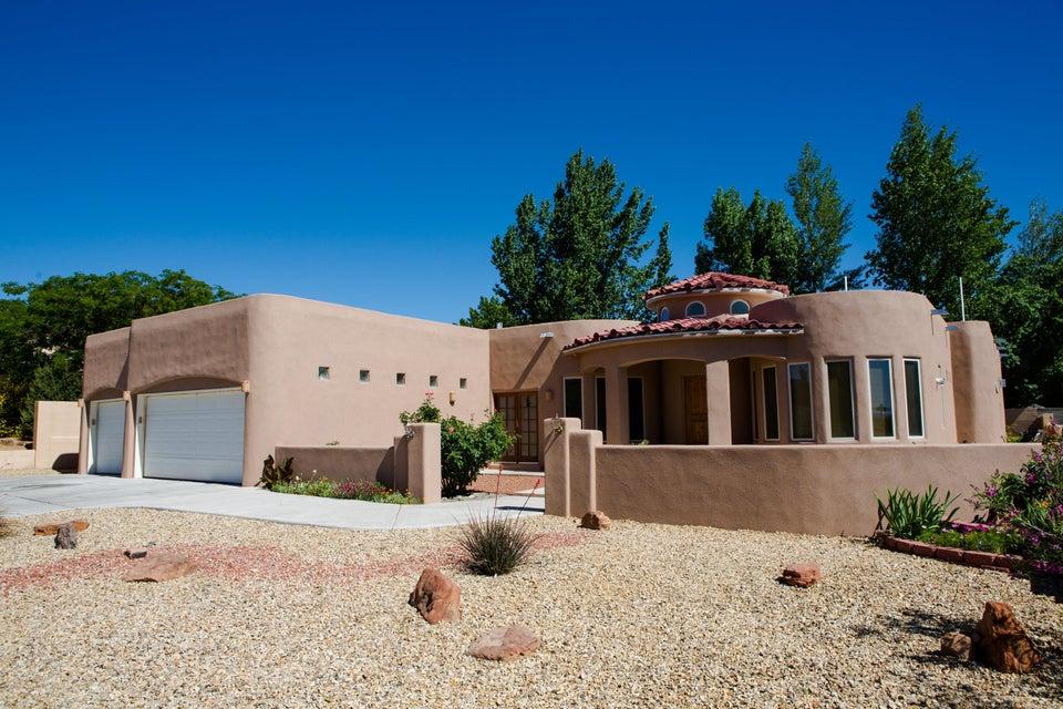 6105 Sierra Linda Avenue NW, Albuquerque, NM 87120