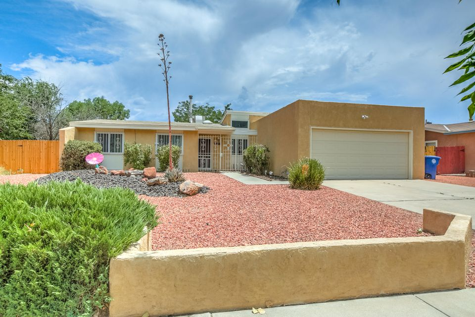 5300 Mariposa Drive NW, Albuquerque, NM 87120