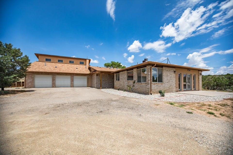 3 Palomino Court, Edgewood, NM 87015