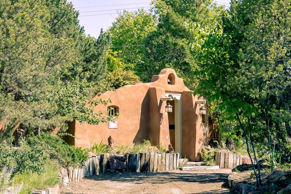 2500 HAROLD Place NE, Albuquerque, NM 87106