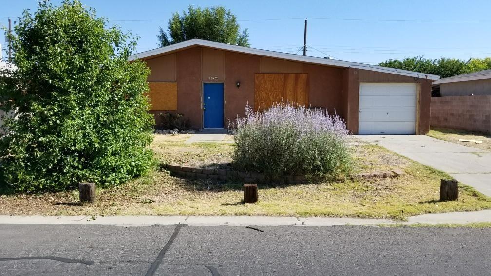 2819 Desert Garden Lane SW, Albuquerque, NM 87105
