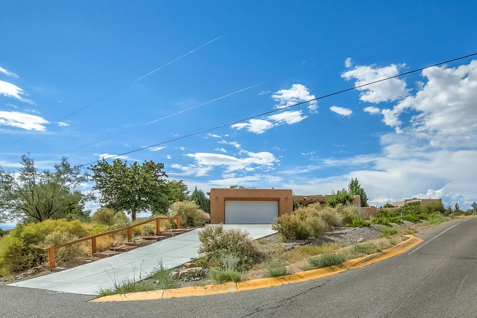 11107 Ranchitos Road NE, Albuquerque, NM 87122