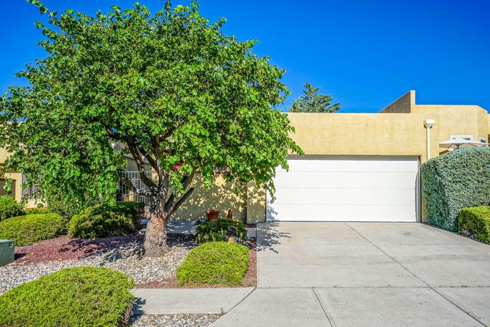 1435 Cumbres Street NE, Albuquerque, NM 87112