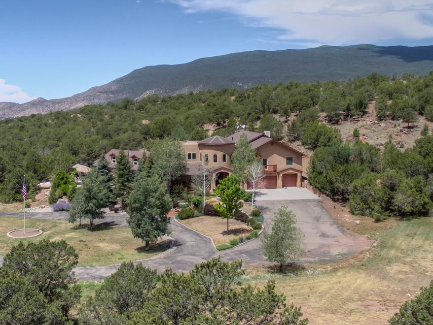 82 Vallecitos Road, Tijeras, NM 87059