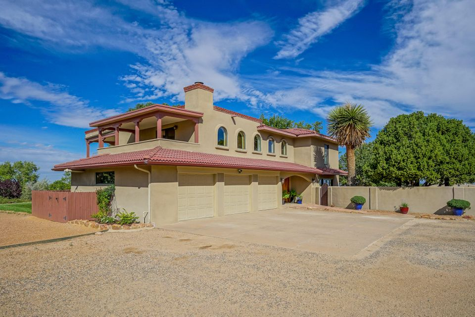 12407 Ranchitos Road NE, Albuquerque, NM 87122