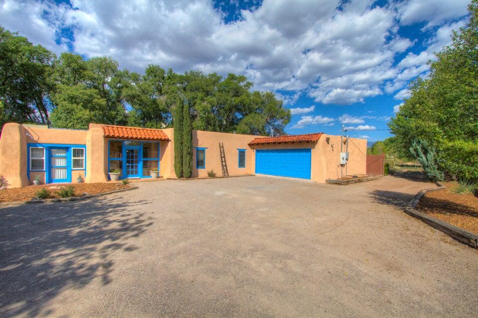 509 Camino La Morada NW, Albuquerque, NM 87114