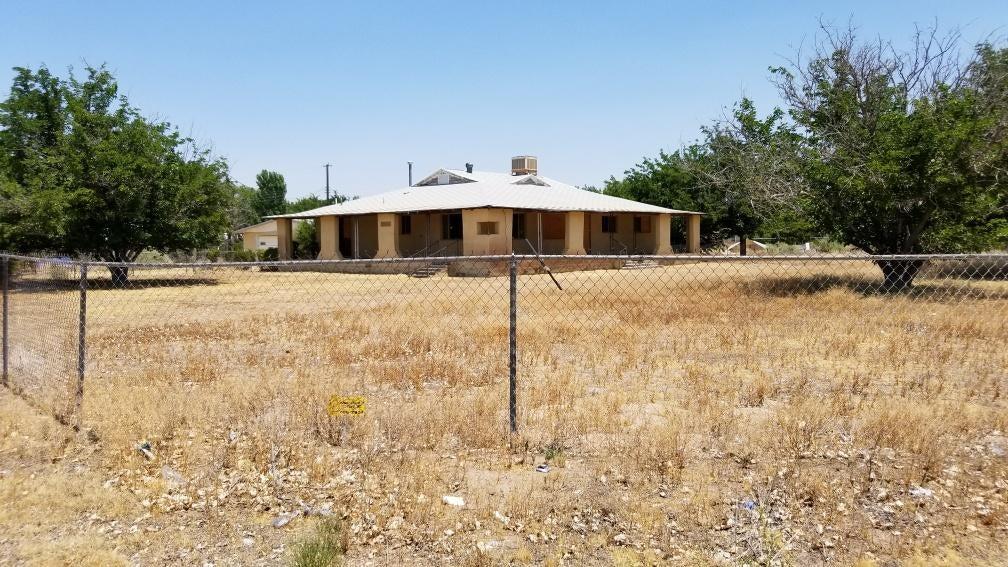 5738 Wood Road SW, Albuquerque, NM 87105
