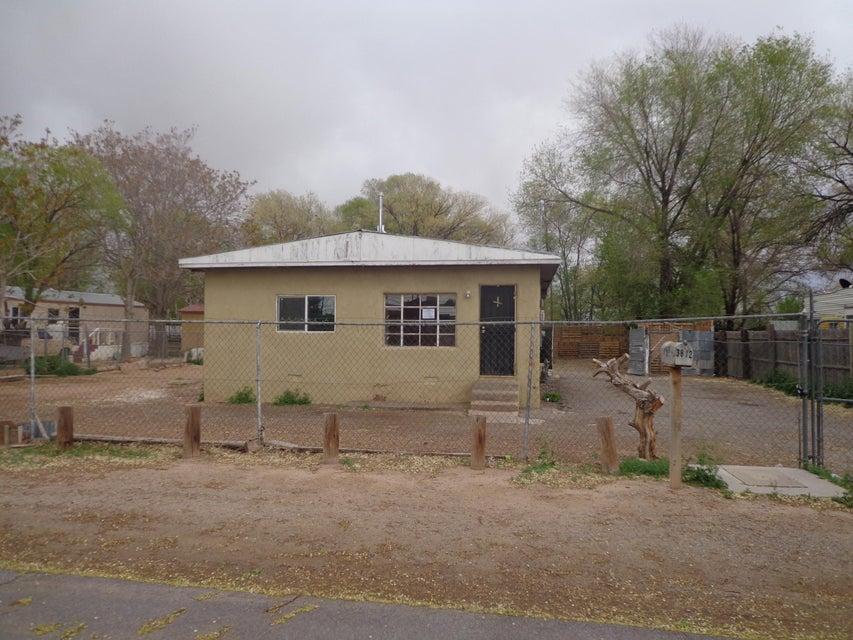 3812 Santa Anita Road SW, Albuquerque, NM 87105