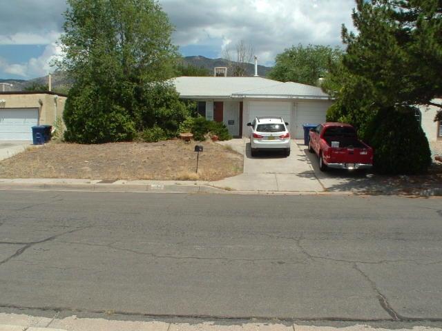 2436 ZENA LONA Street NE, Albuquerque, NM 87112