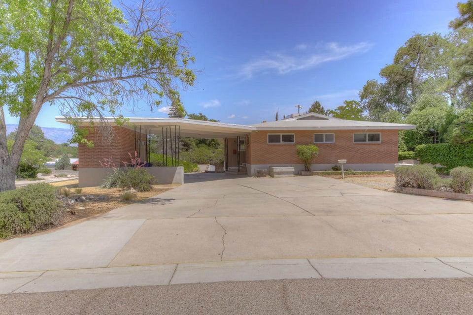 1520 Calle Del Ranchero NE, Albuquerque, NM 87106