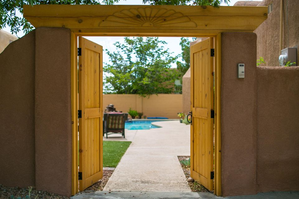 5409 Luttrell Court NE, Albuquerque, NM 87111