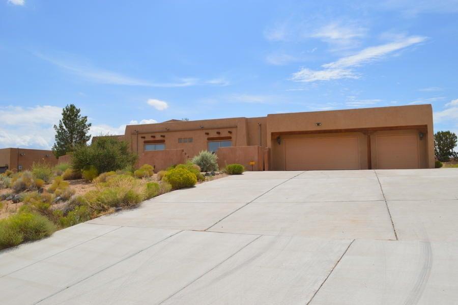 2152 Gazelle NE, Rio Rancho, NM 87124