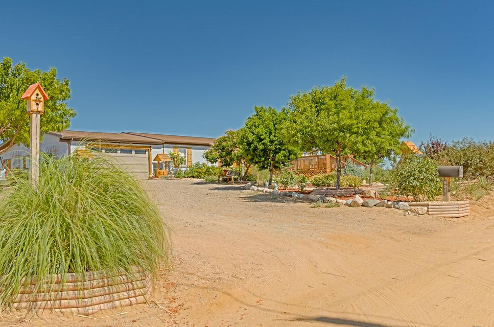 891 24th Street SW, Rio Rancho, NM 87124