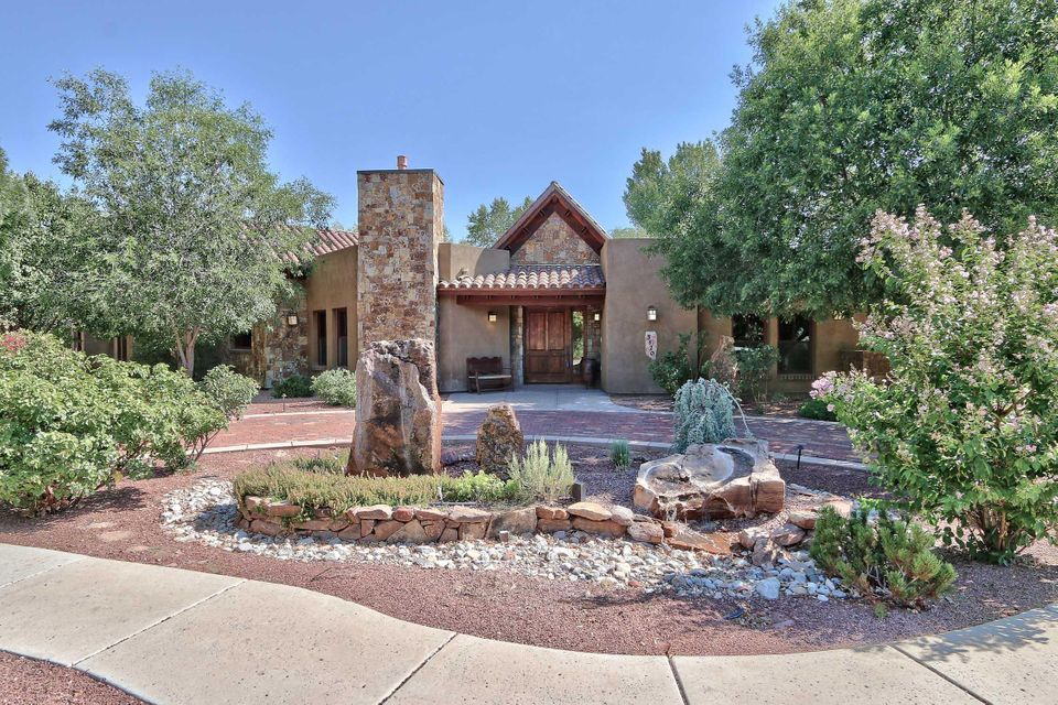 3520 Campbell Farm Lane NW, Albuquerque, NM 87104