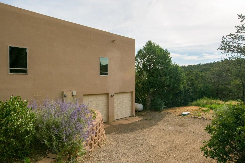 4 Teypana Drive, Tijeras, NM 87059